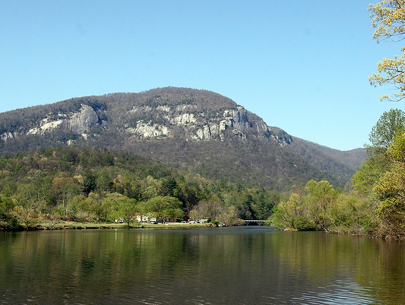 Fishing Cabin On Beautiful Lake Lure Has Central Heating