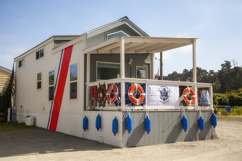 Cochito - a US Coast Guard themed tiny home in the heart of the historic Noyo ha, vacation rental in Caspar