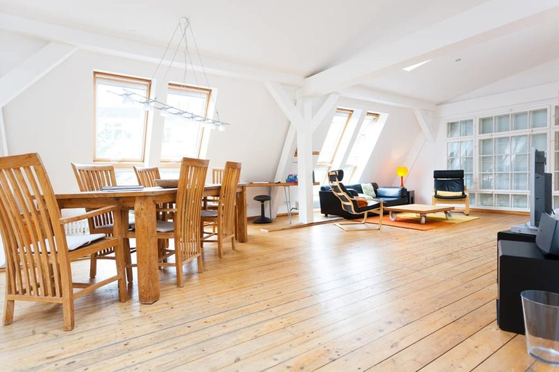 AKTUALISIERT: 2019 - Attic Loft in Historic Factory – Appartement in ...