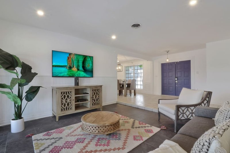 Miami Pool & Golf Home, vacation rental in University Park