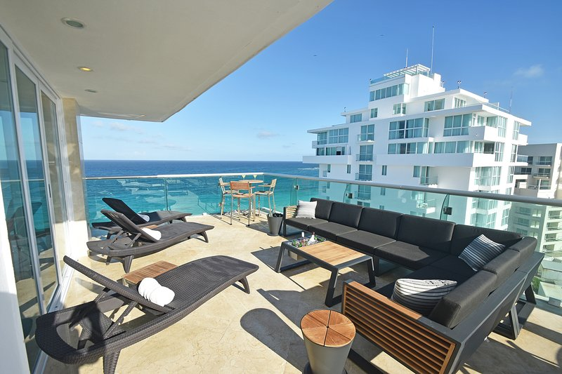 by Tim M - Penthouse #2701 - Spacious & Beautifully Finished & Wonderful Views!, vacation rental in Cancun