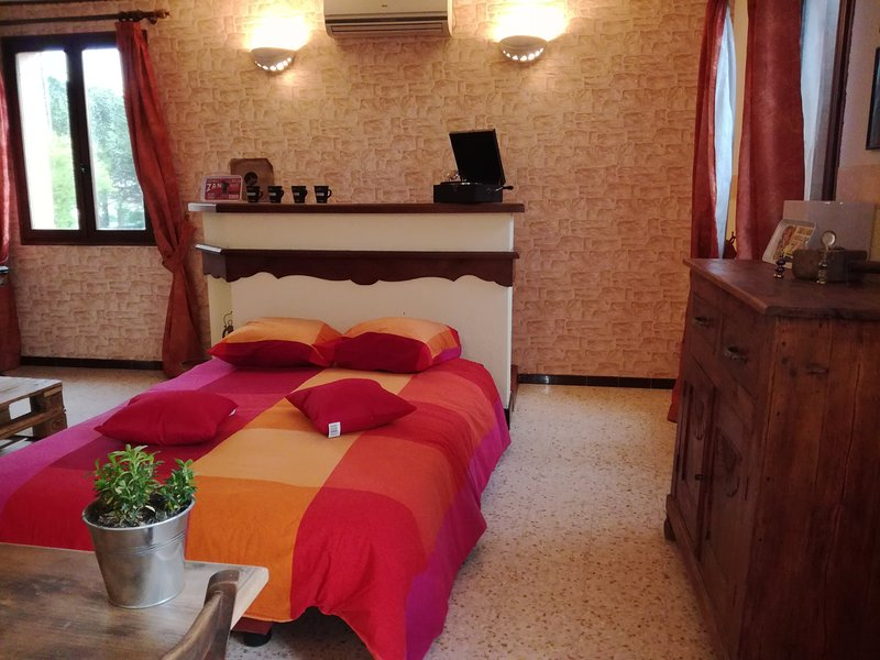 Chez Francette - Maison aux portes des Cévennes, aluguéis de temporada em Saint-Julien-de-Cassagnas