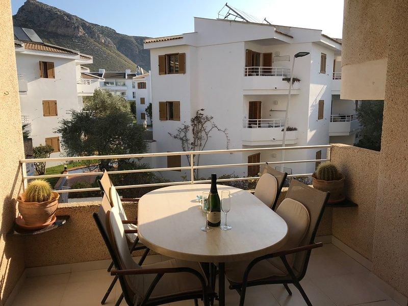 Mendez Nunez Apartment, Near Pine walk with Pool (Tourist Licence ETVPL/13557), vacation rental in Formentor