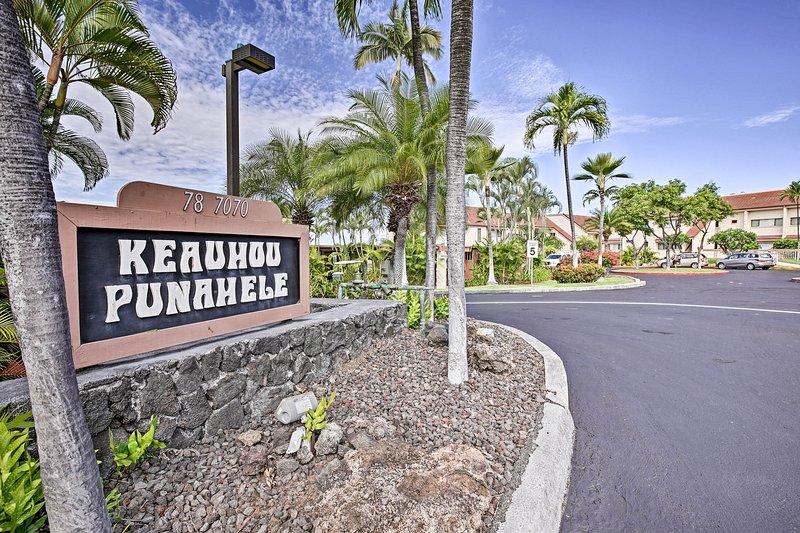 Ubicado en el complejo Keauhou Punanhele, ¡seguro que disfrutarás de la vida en la isla!