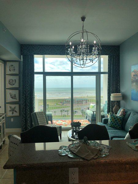 Emerald by the Sea, 500 Seawall Blvd #913, holiday rental in Galveston Island