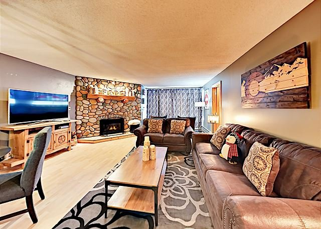 Ski-In/Ski-Out Copper Mountain Retreat w/ Resort Amenities - Walk to Dining, holiday rental in Frisco