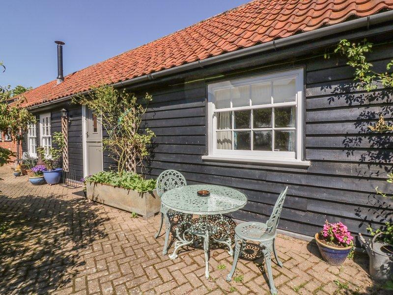 Courtyard Cottage, Poplar Farm Barn, Saxmundham, vacation rental in Badingham