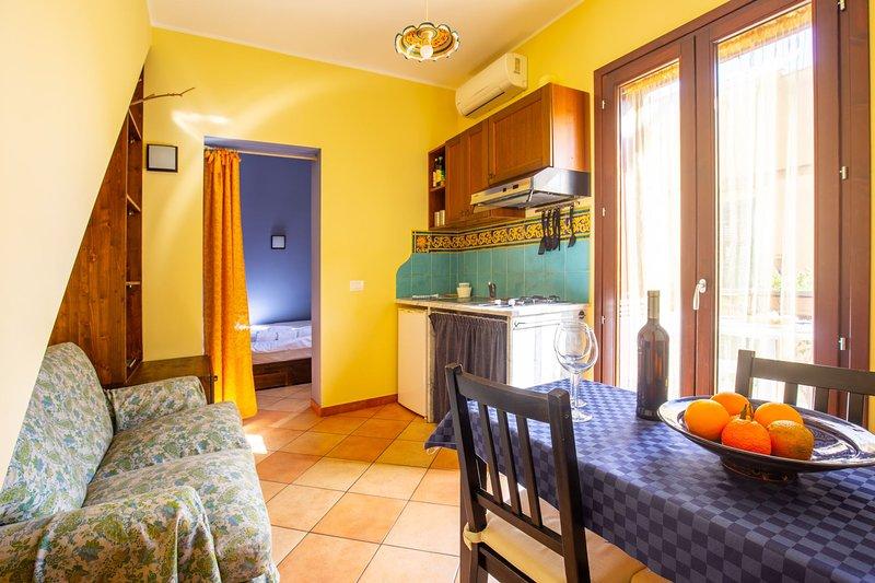 Casa Maria - Clelia, holiday rental in Solanto