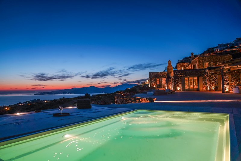 Villa Sandstone, beautiful villa with sea and sunset view by Elite Estates, holiday rental in Faros Armenistis