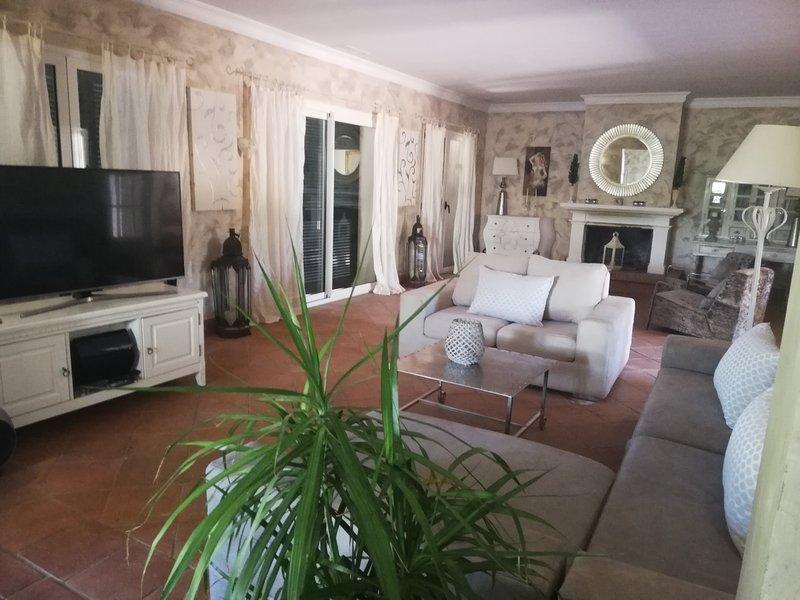 Villa Royale, casa vacanza a Pueblo Nuevo de Guadiaro
