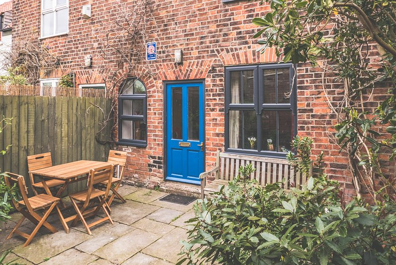 Harbour Cottage - 18th century cottage, 100m from quayside, holiday rental in Wells-next-the-Sea