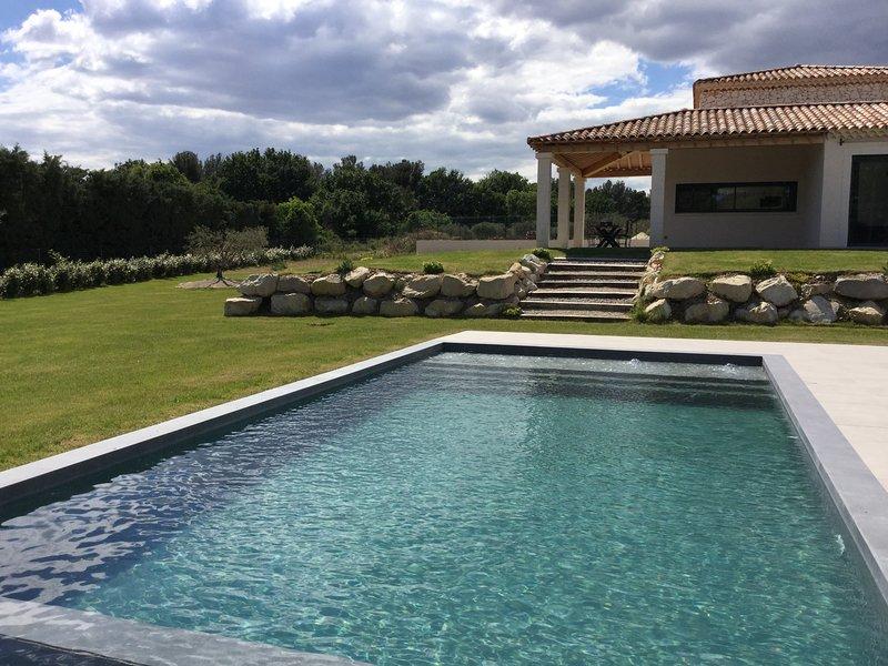 It has a heated swimming pool 10m x 5m