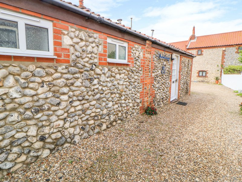 THE ANCHORAGE, electric fire, en-suite, open-plan living, in Sheringham, holiday rental in Sheringham