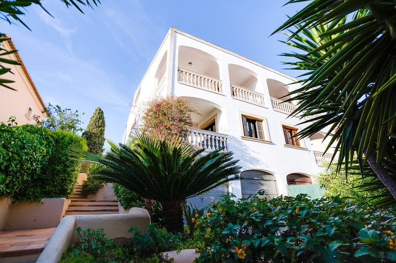 VILLA BONANOVA by Priority, holiday rental in Portals Nous