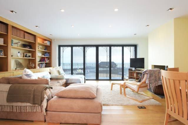 Ancient Lights - Beach retreat with sea views, vacation rental in Broadstairs