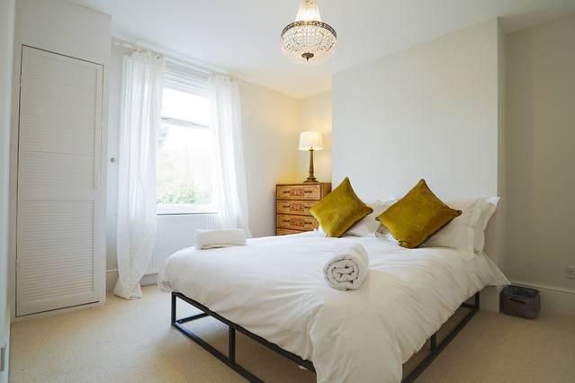 Dane Road - Stylish four bedroom home near Margate Old Town, location de vacances à Kingsgate