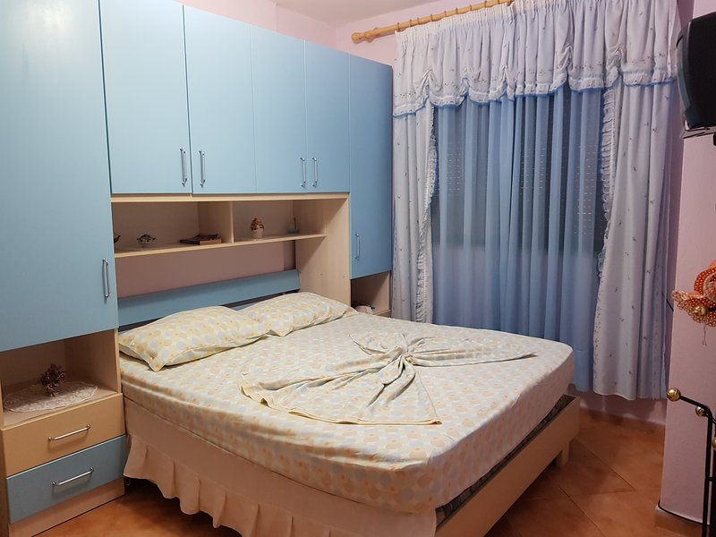 Cozy Beach Apartment, holiday rental in Durres