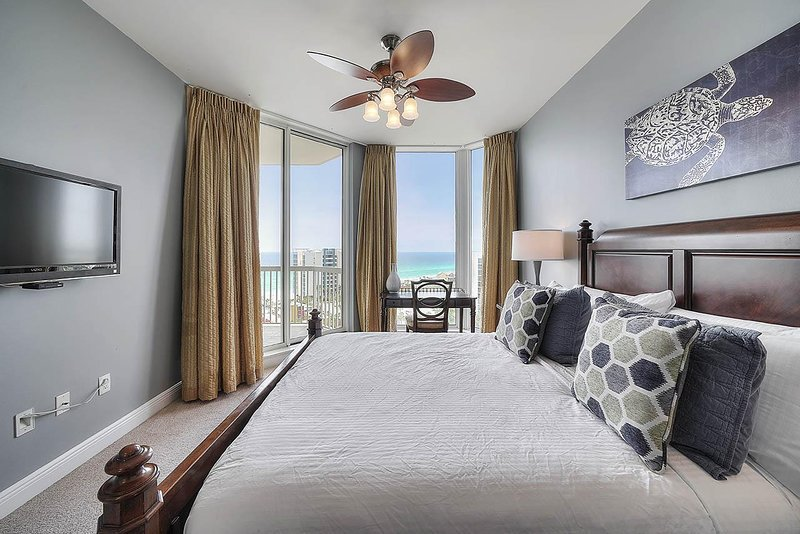 Indoors,Furniture,Room,Bedroom,Home Decor