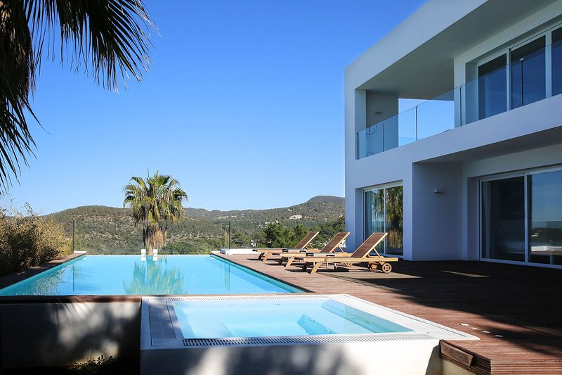 Villa Tristan, holiday rental in Cala Comte
