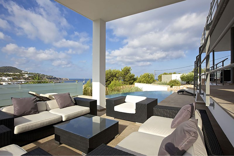 Villa Bridget, holiday rental in Cala Comte