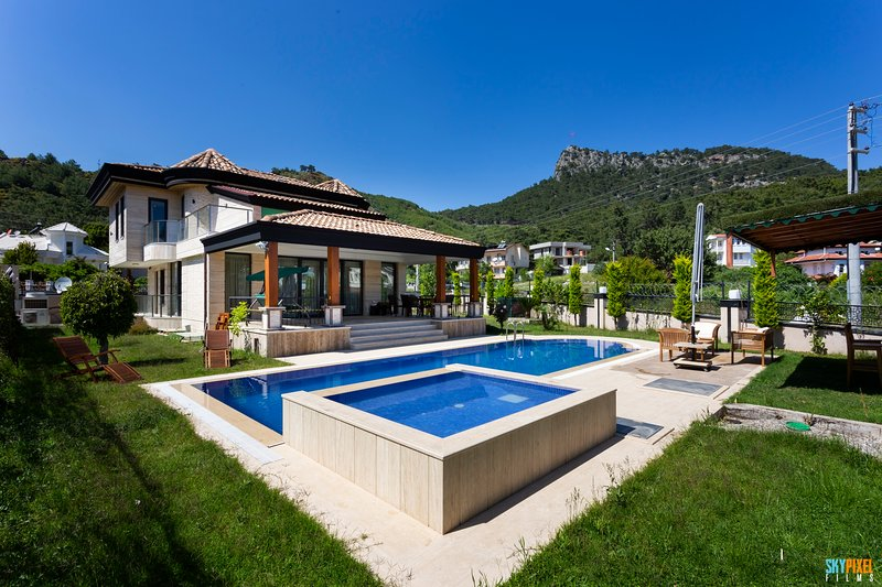 Luxury Family Villa w/  Pool & Electric bike – semesterbostad i Kemer