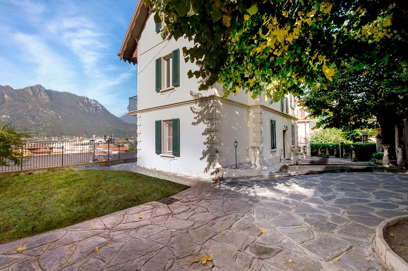 Appartamento in Villa Puccini, vacation rental in Province of Lecco