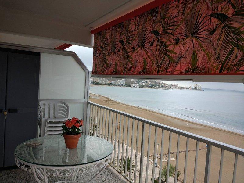 APARTAMENTO EN PRIMERA LÍNEA DE PLAYA, holiday rental in Alginet