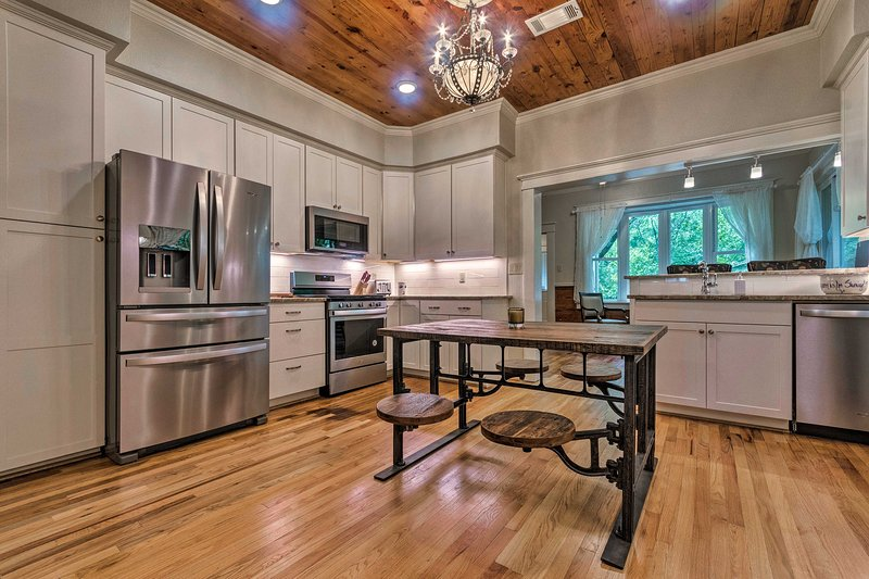 Whip up a gourmet meal in the pristine full kitchen of the 2-bed, 1.5-bath home!