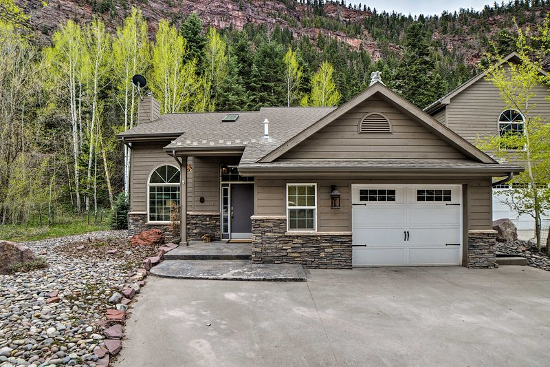Beautiful Ouray Home w/ Mtn View, 1 Mi. to Town!, location de vacances à Ouray
