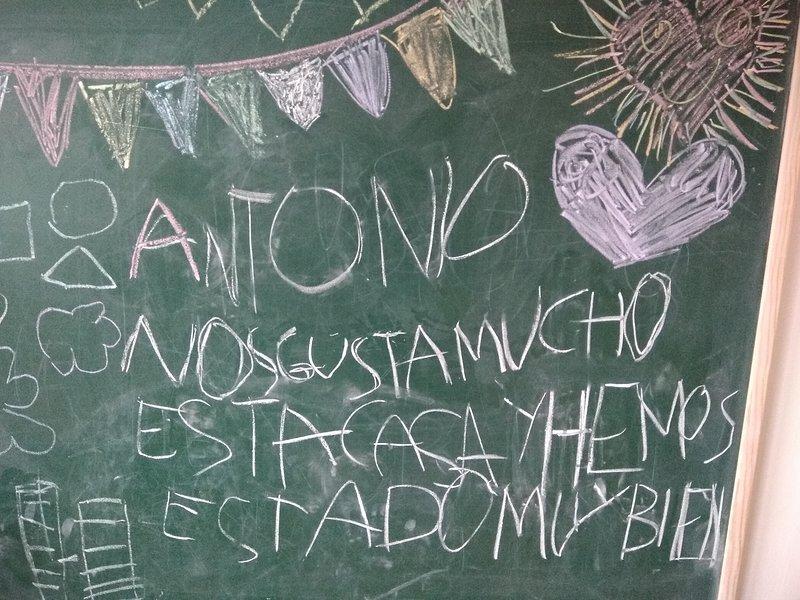 CasadeAntonio para 10 per. Es una casa divertida para grupos de padres con niños, vacation rental in Ainzon