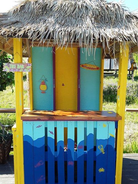 New Tiki Bar on pool decks