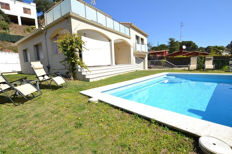 Villa Olivera -DISFRUTA DE TUS VACACIONES EN UNA VILLA PRIVADA, holiday rental in Calonge