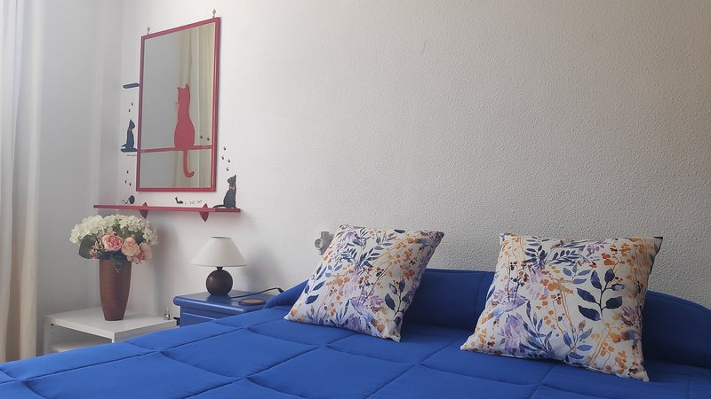 Leib Rooms: Private Bright Double Bedroom, very close to the city center / beach, casa vacanza a Siesta