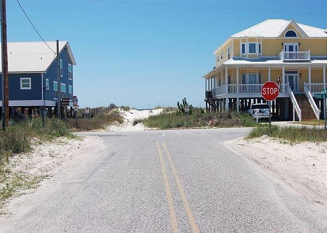 ToucanPlay Beach Access