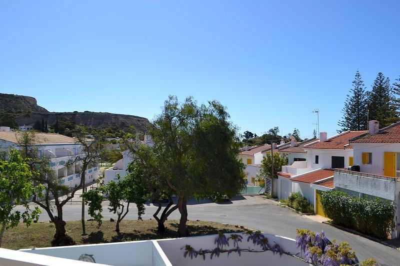 Casa da Praia Luz Bay Club, holiday rental in Bensafrim