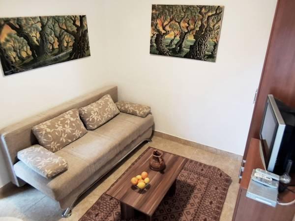 Beautiful apartment with sea view, aluguéis de temporada em Ulcinj