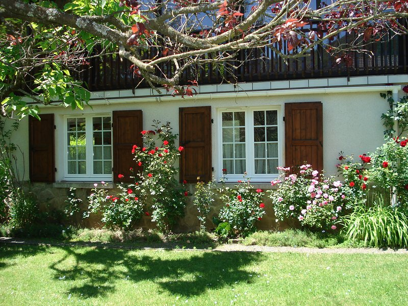 Nice apt with mountain view & Wifi, casa vacanza a Giou-de-Mamou