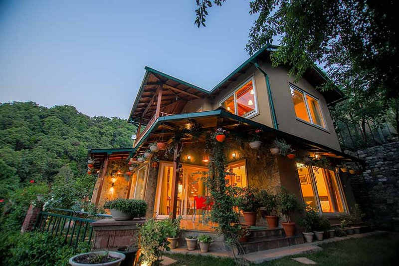 J's Retreat by Vista Rooms, vacation rental in Jageshwar