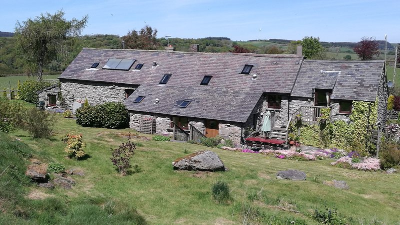 Character Barn. 25mns Snowdonia National Park, holiday rental in Maerdy