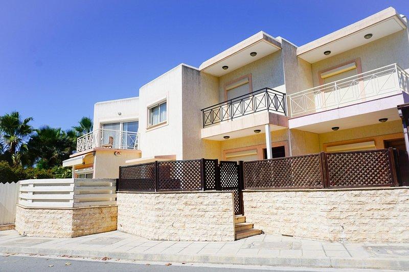 Villa Irene, vacation rental in Parekklisia