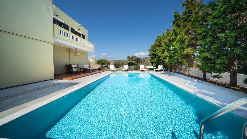 Anthira Luxury Villa, 200m From Kolymvari Beach Chania, vakantiewoning in Kolymbari