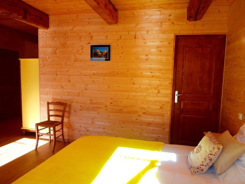 Chambres d'Hôtes avec petits déjeuners, vakantiewoning in Lachapelle-Graillouse