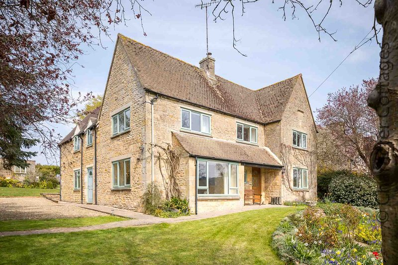 Elm Bank is a fabulous house in the unspoilt village of Lower Swell, casa vacanza a Stow-on-the-Wold