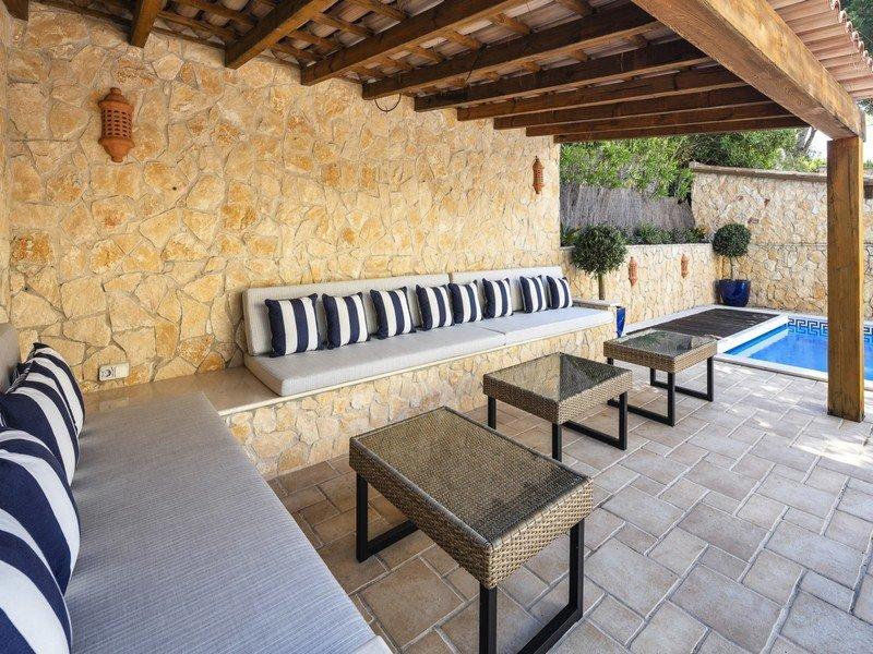 Quinta do Lago Villa Sleeps 6 with Pool Air Con and WiFi - 5793158, alquiler vacacional en Gambelas