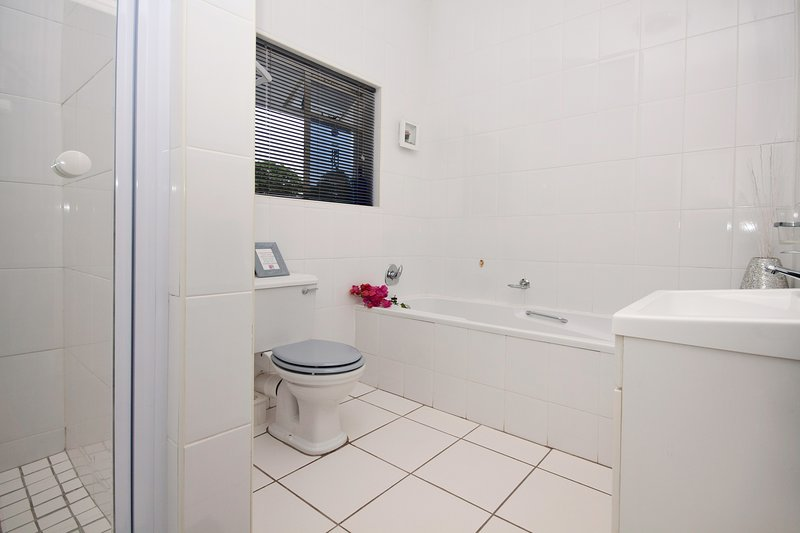 302 On Old Seaview Road Chelsea, vacation rental in Clarendon Marine