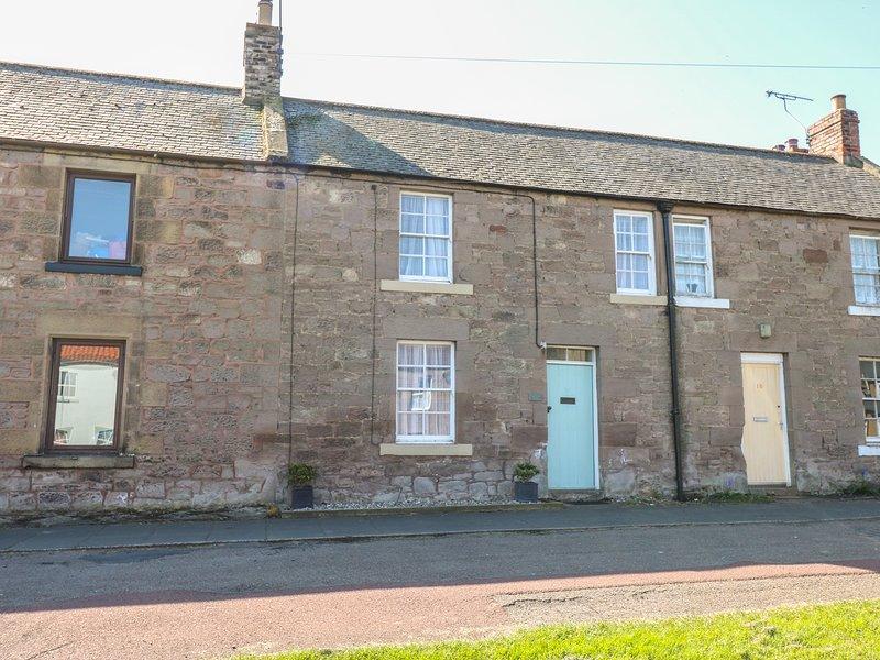 20 CASTLE STREET, wood burner, enclosed garden, pet friendly, in Norham, Ref, location de vacances à Leitholm