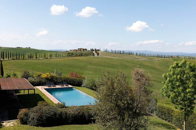 San Giovanni d'Asso Villa Sleeps 22 with Pool - 5793209, holiday rental in San Giovanni d'Asso