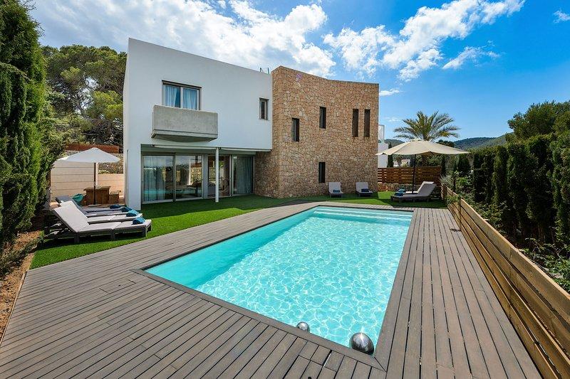 Villa Es Cavallet, holiday rental in Puig d'en Valls