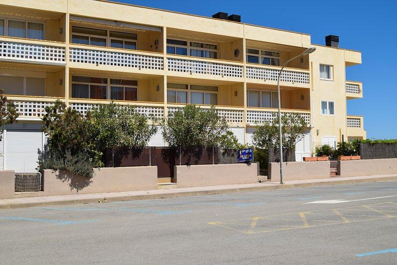 Första raden lägenhet i Platja de Pals-Costa Brava. Två sovrum och terrass. Parquing.SA PUNTA CB
