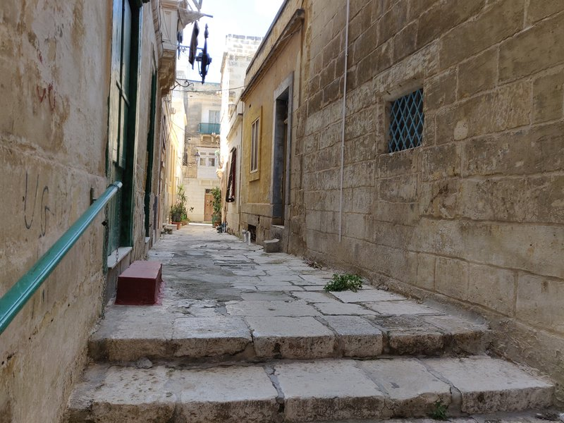 Outside streets of Cospicua